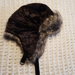 Fake fur laundry winter hat ear flaps brown tan